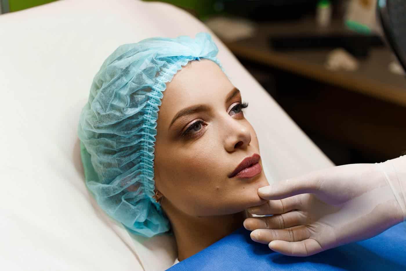 Povećanje usana hijaluronom bez igle